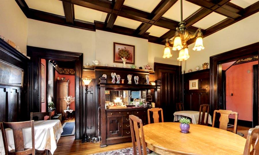 Dining room at Moondance Inn Bed & Breakfast
